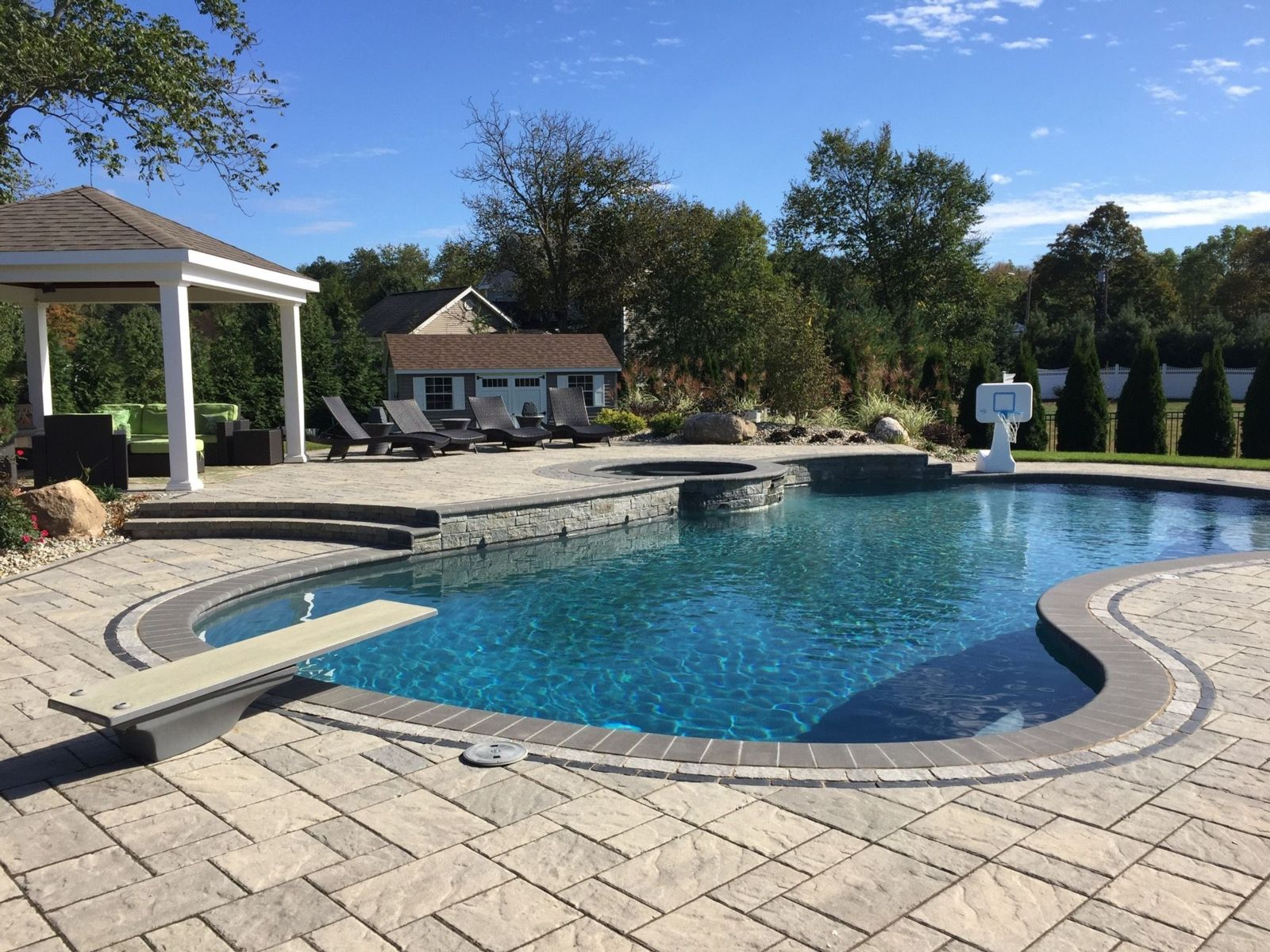Pool Designs Well Suited to Homeowners with Kids in Farmington, CT